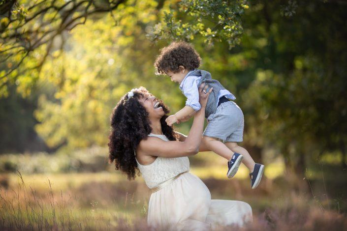 Fotograaf Blaricum zwangerschap gezin heide zwangerschapsfotoshoot Lelystad