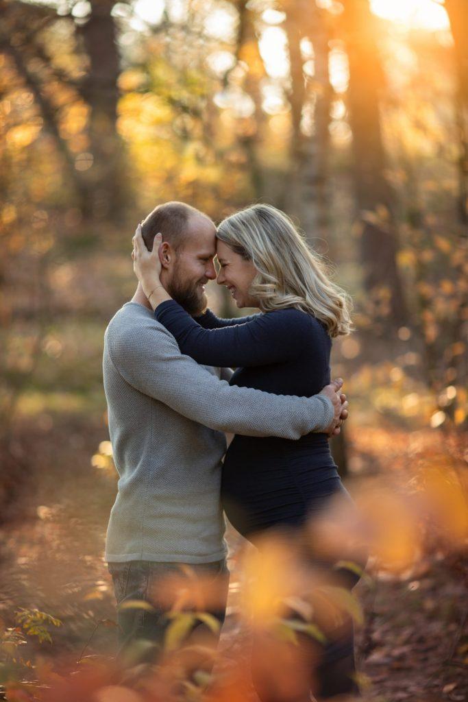 zwanger zwangerschapsfotoshoot fotograaf Lelystad Veluwe Dronten