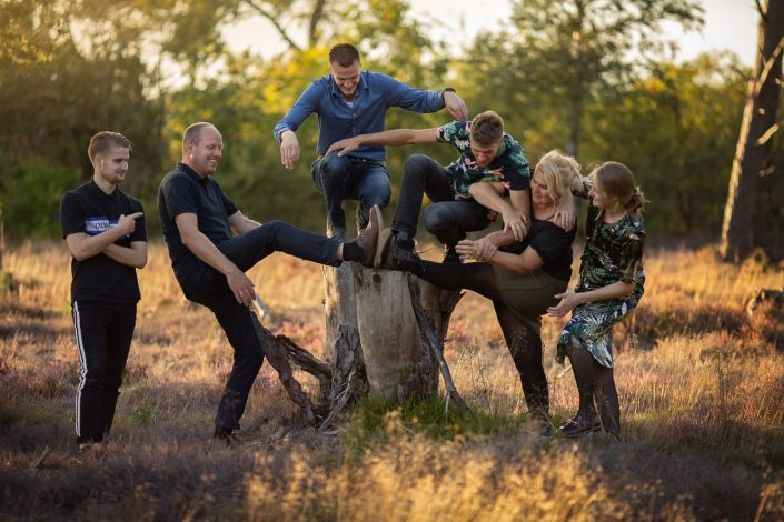veluwe familie gezin spontane fotoshoot gouden uur heide fotograaf Lelystad