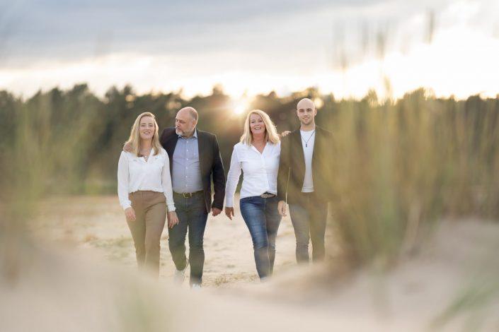 Familie fotoshoot buiten Hulshorsterzand gouden uurtje